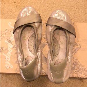 EUC Puma Rhythm Ballet Flats, Leather, Size 6